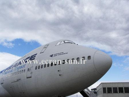 Ecran Sun et FilmPourVitrage.com sur un Boeing 747