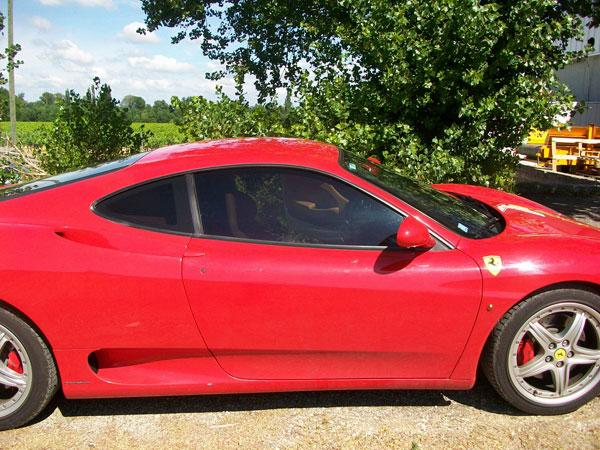 Ferrari Modena en Vitres Teintées