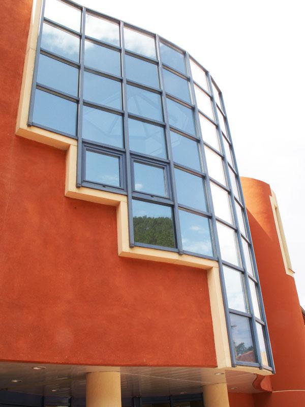 Vitres teintées bâtiment d'un immeuble de bureaux