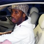 Le meilleur joueur ivoirien, Didier Drogba, devra aussi se passer de vitres teintées